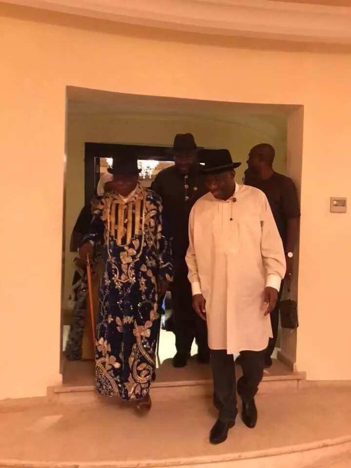 Breaking: Obasanjo visits Jonathan in Otuoke