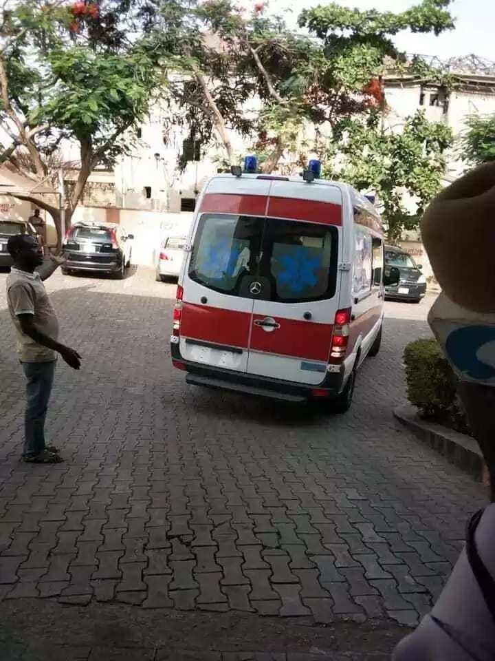Breaking: Senator Dino Melaye reportedly jumps off police van, lands in hospital (photos)