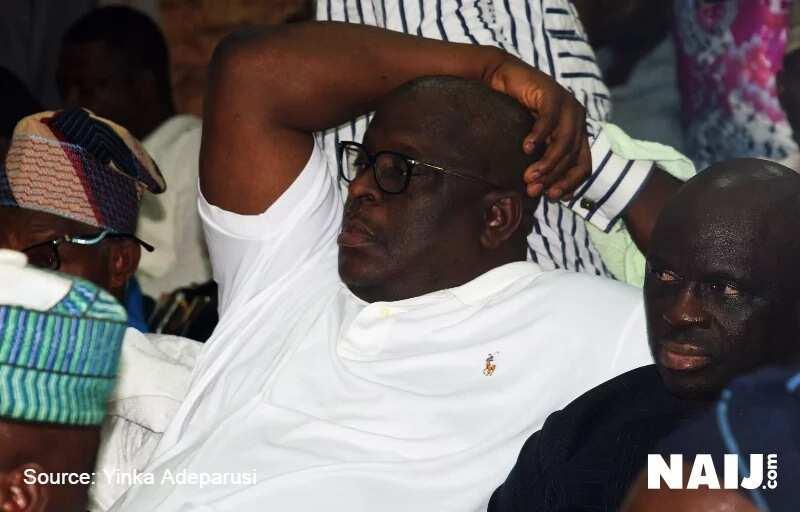 Zaben Anambara : Senata Buruji Kashamu ya ba Makarfi laifi akan rashin kokarin PDP