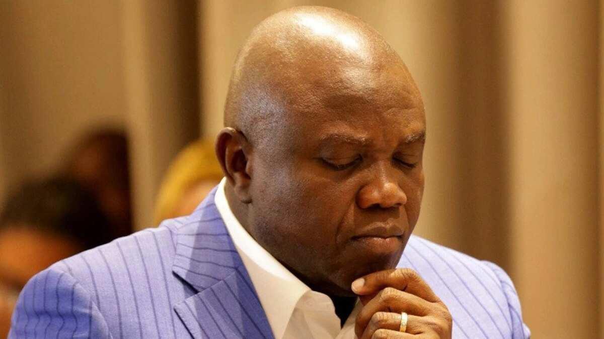 2019: PDP ta shiga zawarcin gwamnan APC da takarar sa ke rawa