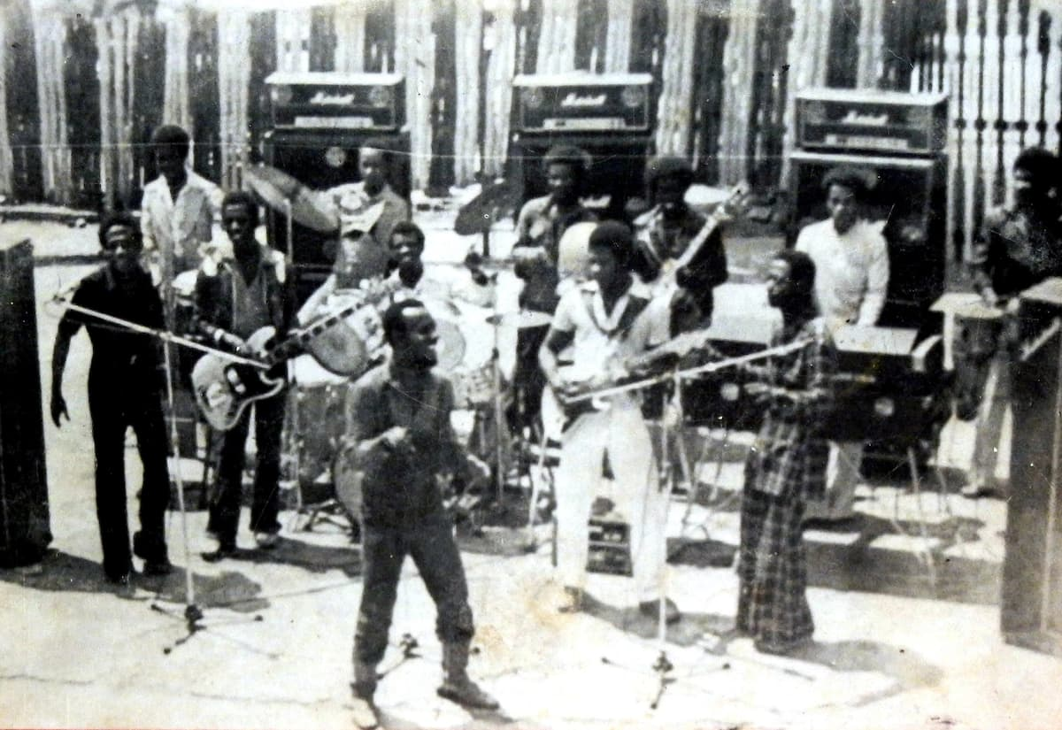 Best old Nigerian songs you should re-listen ▷ Legit ng