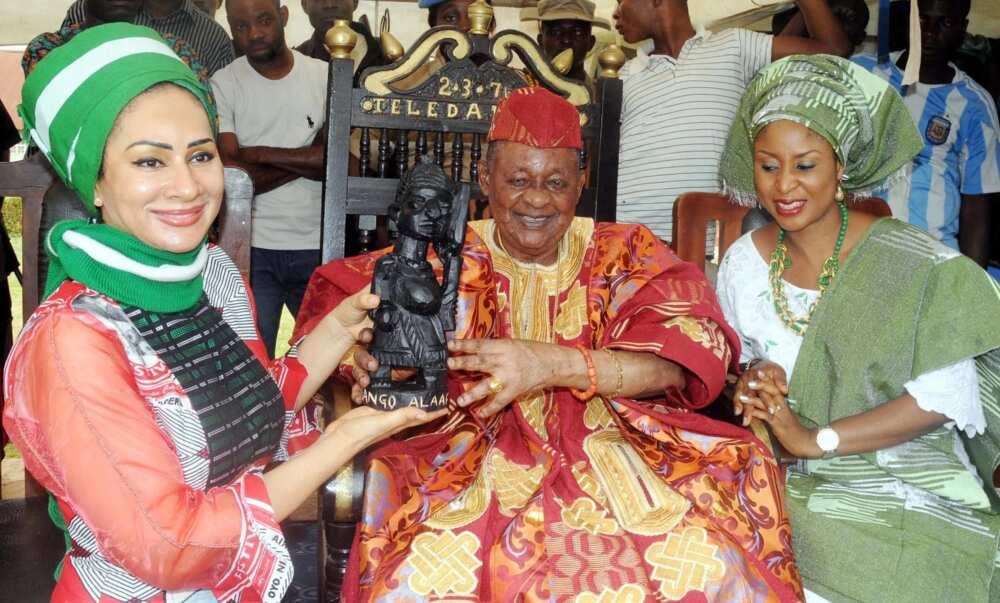 Lamidi Olayiwola Adeyemi III