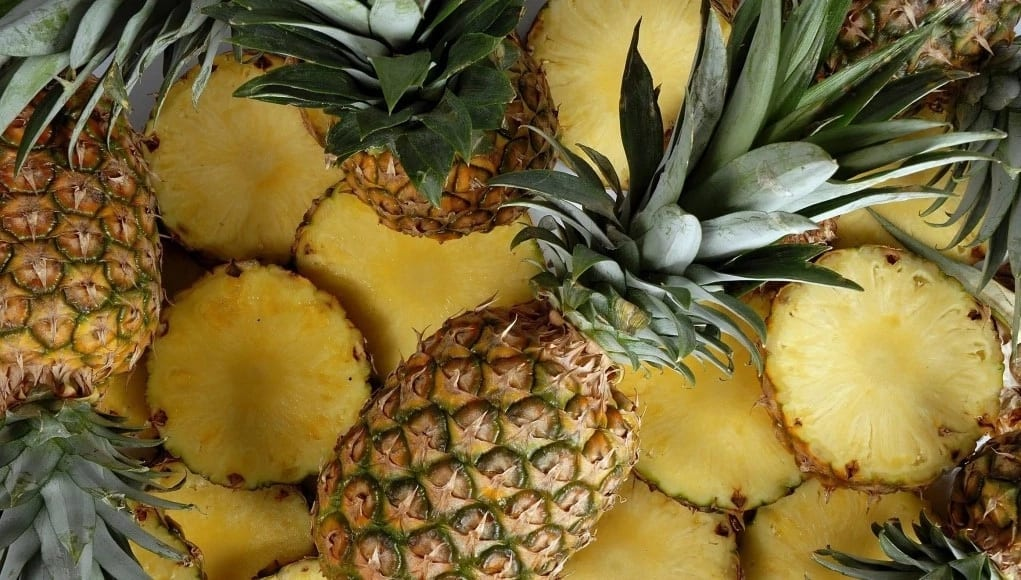 Pineapple quickly breaks down protein foods