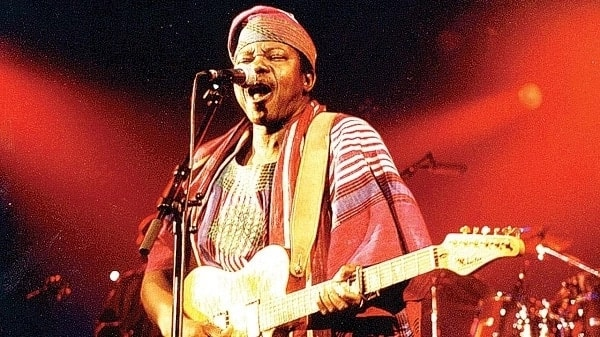 King Sunny Ade performing