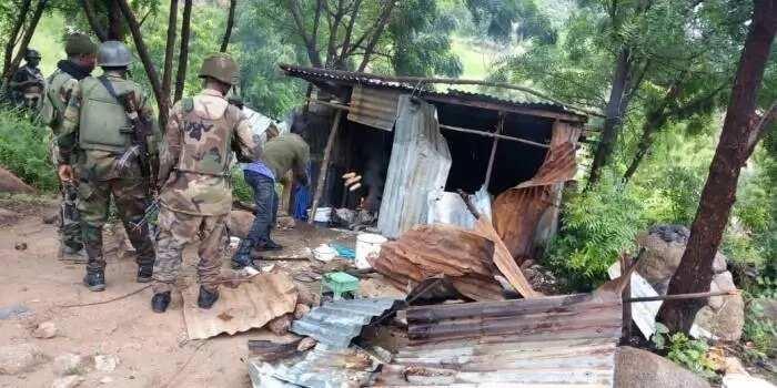 Hotunan artabun da Soji su kayi da Boko Haram yayin da suka ceto mutane 21 da aka sace