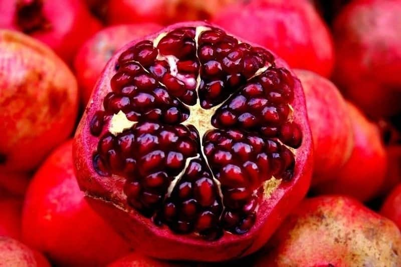 Pomegranate is another superfruit to fight overweight