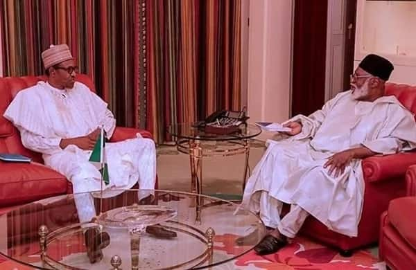 Hotunan ganawar shugaba Buhari da tsohon shugaba Abdulsalami