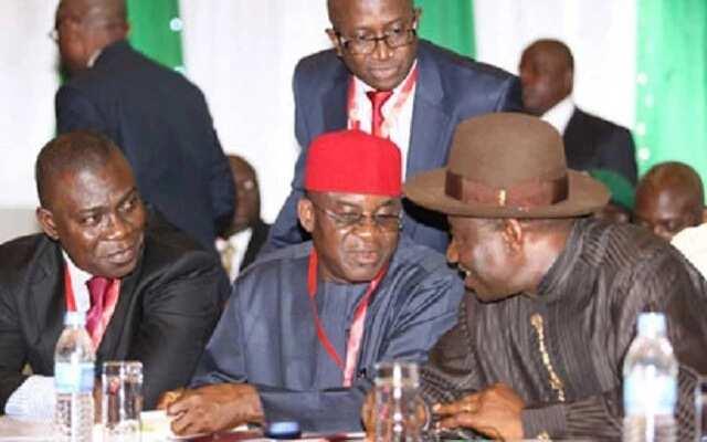 David Mark, na uku a Najeriya a zamanin PDP, na ganin tasku a mulkin jam'iyyar APC