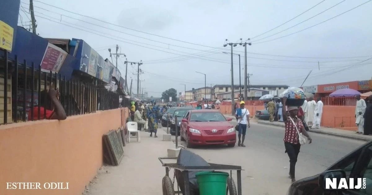 Sellers looking helpless at Retail Market, Ogba, Lagos. Source: Esther Odili