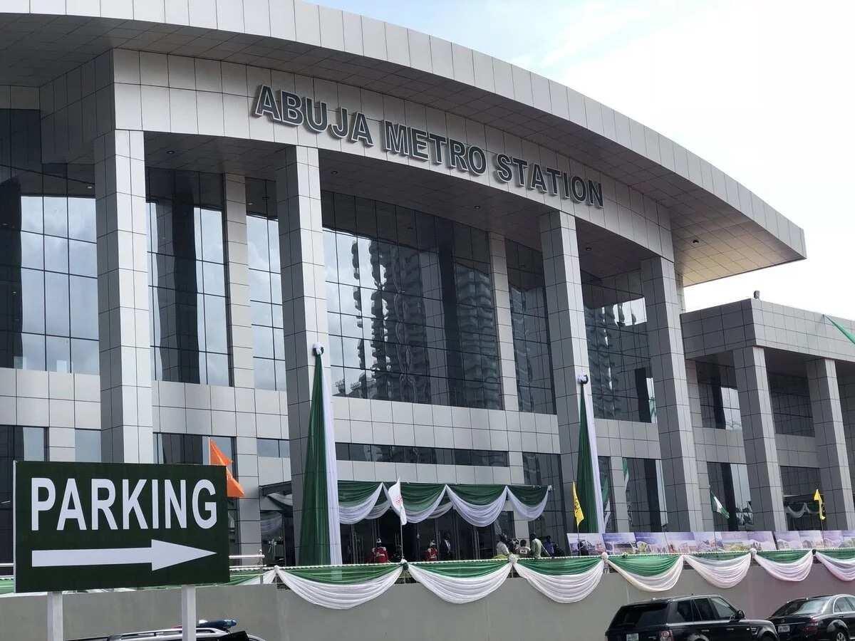 Yanzu-yanzu: Shugaba Buhari ya kaddamar da tashan jirgin kasan birnin tarayya Abuja