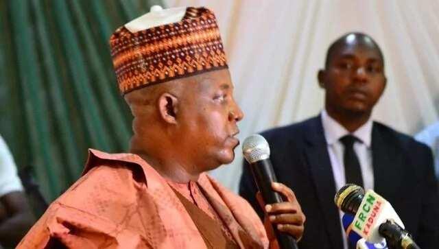 Raba kayan yin shushana: Gwamnan jihar Borno ya aikawa kwamishinan sa takardar sammaci