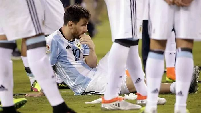 5 reasons Ronaldo and Messi may never win trophies for their respective countries