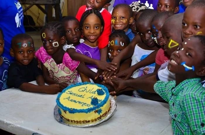 Meet 20-year-old girl who educates and protects children in Lagos (photos)