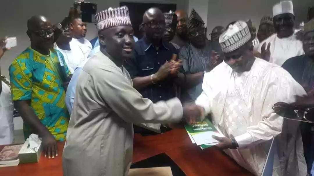 Tambuwal picks PDP form to contest 2019 presidency (photos)