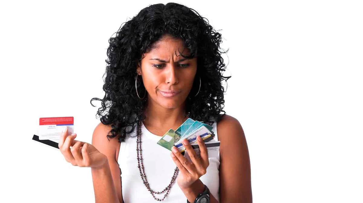 A lady with ATM cards