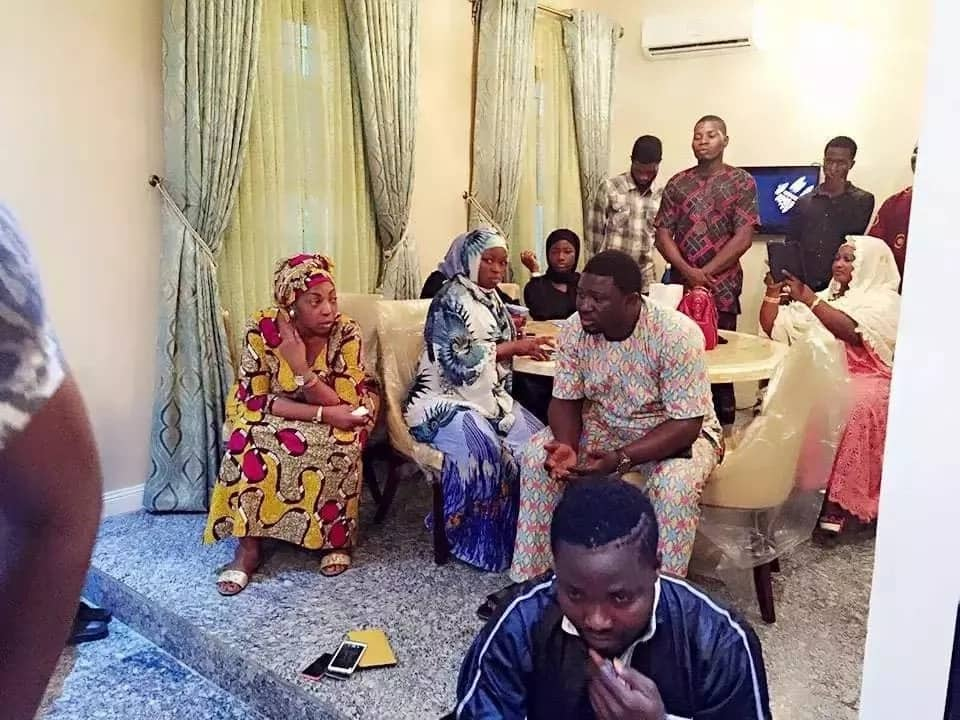 The friends and relatives in Pasuma house