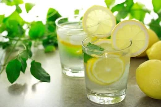 Why You Should Be Drinking Lemon Water In The Morning
