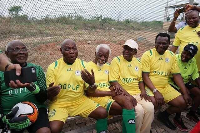 Buhari treks 800meters, Obasanjo plays football, Jonathan jogs - How Nigerian leaders exercise (photos)