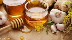 What are the benefits of ginger, honey and garlic remedy?