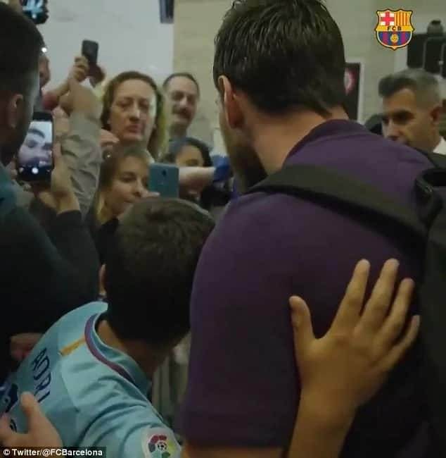 Young Barcelona fans finally meets his idol Lionel Messi