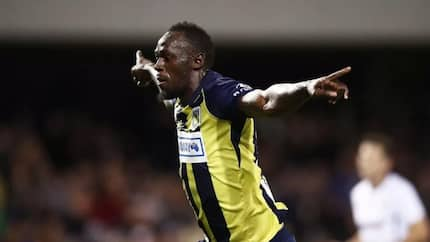 Usain Bolt receives important message from Pogba and Sterling on his football career