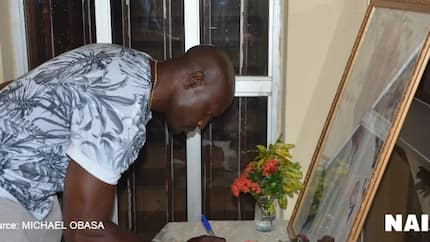 Exclusive: These 10 messages in late Stephen Keshi's condolence register will make you cry