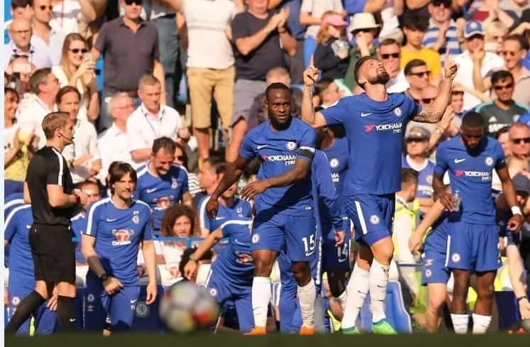 Chelsea defeat Liverpool in Premier League match