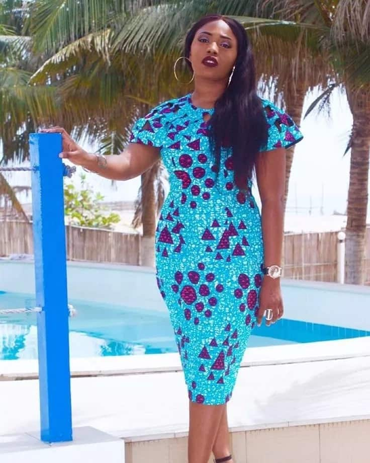 Latest Ankara straight gowns with one-piece sleeves