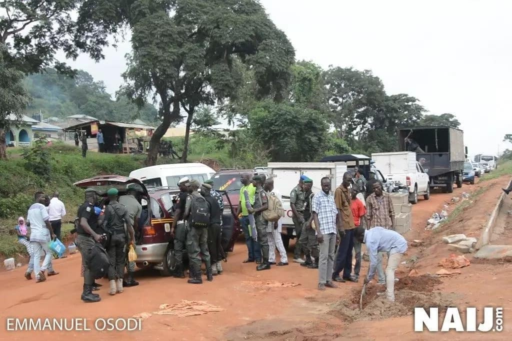 Ekiti 2018: Water tight security in Ado-Ekiti as INEC expects election materials (photos, video)