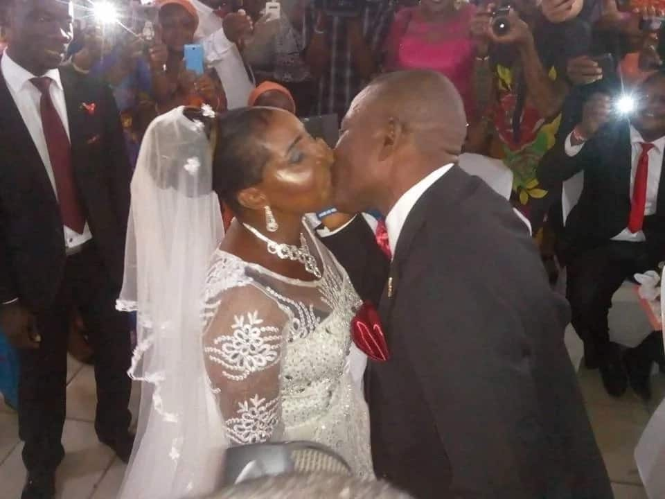 50-year-old woman walks down the aisle in Port Harcourt (photos)