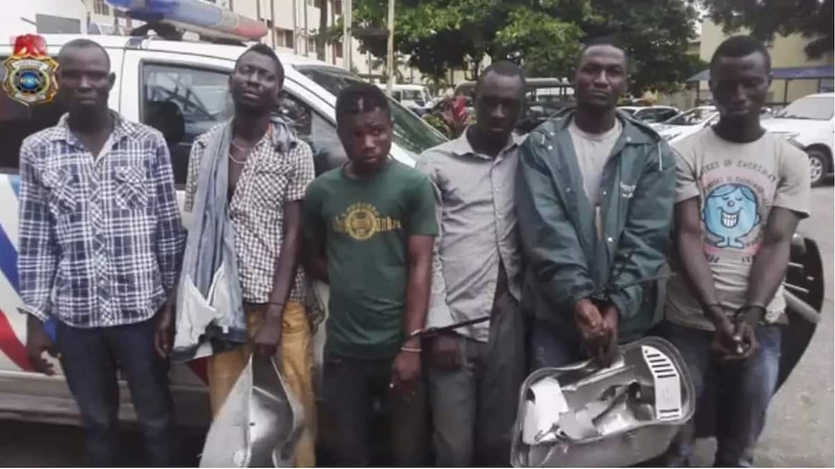 RRS operatives arrest association of Lagos cable thieves
