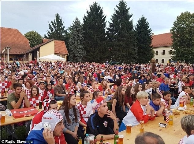 Mandzukic pays £3,000 for beer consumed by fans during win over Russia