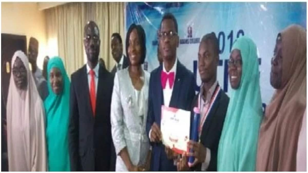 Honour, prize for 16-year old who broke college records with 343 JAMB score