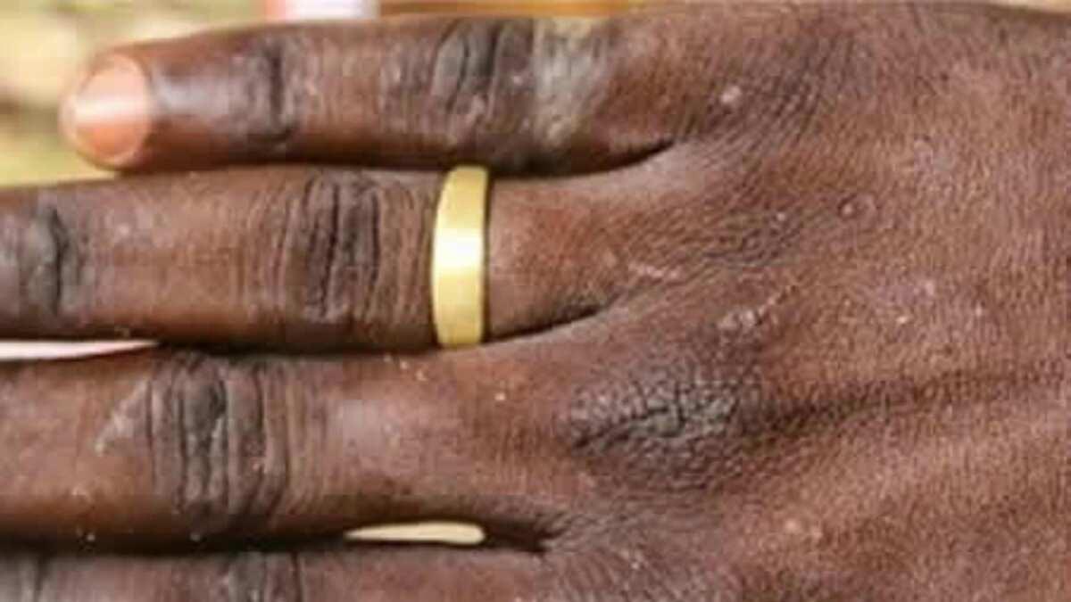 Boko Haram: Maiduguri residents turn spent bullet shells into rings (photos)
