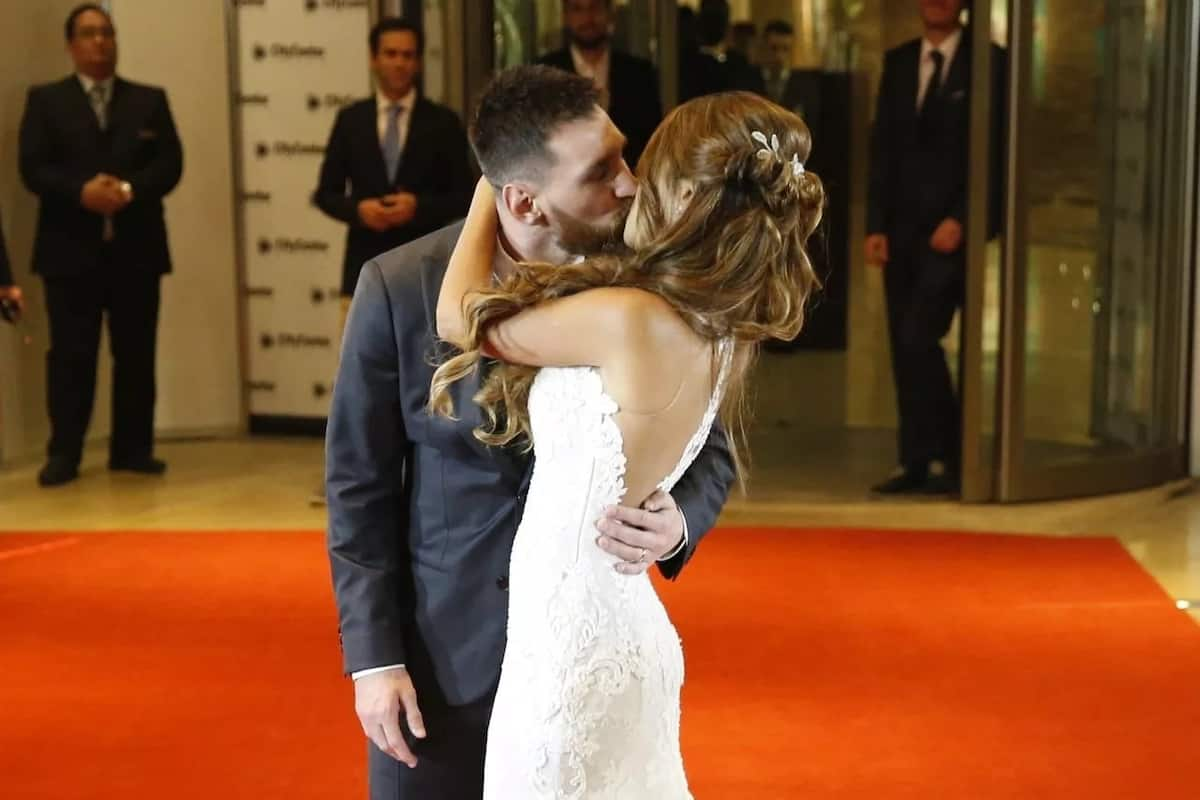 Lionel Messi and Antonella Roccuzzo at their wedding