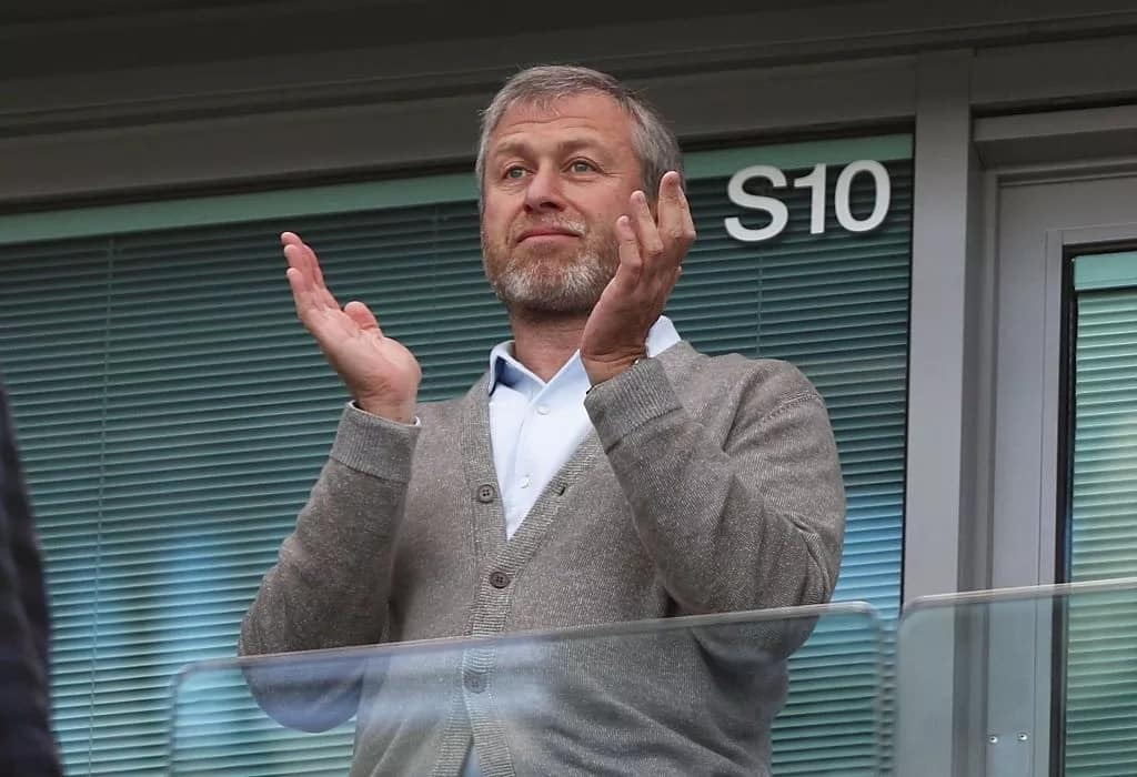 Roman Abramovich vows to overcome visa issues to watch Chelsea matches