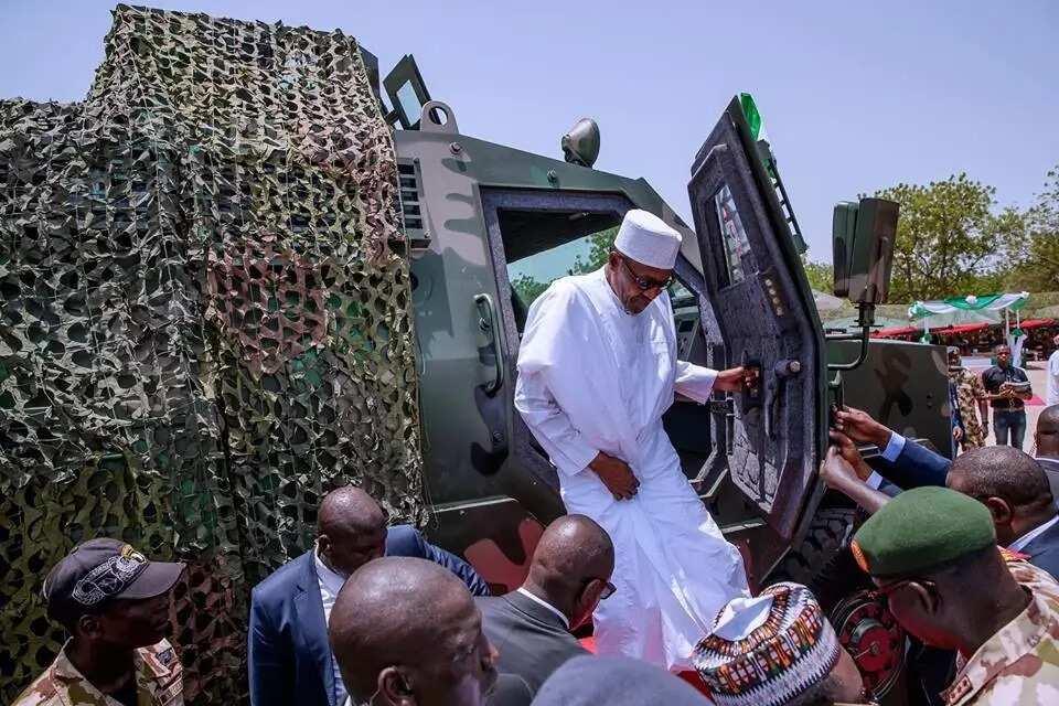 Shugaban kasa Muhammadu Buhari ya isa filin taron bikin ranar sojoji (hotuna)