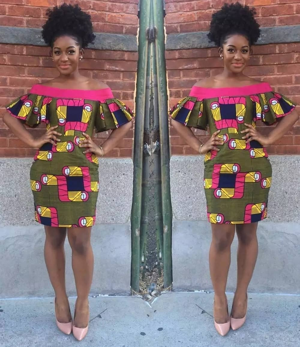Short dress with a bright pattern