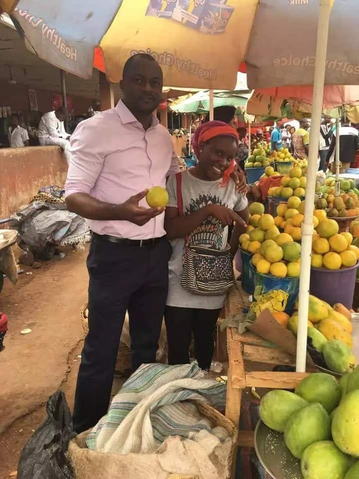 Young female graduate from Benue state university makes her money by selling fruits