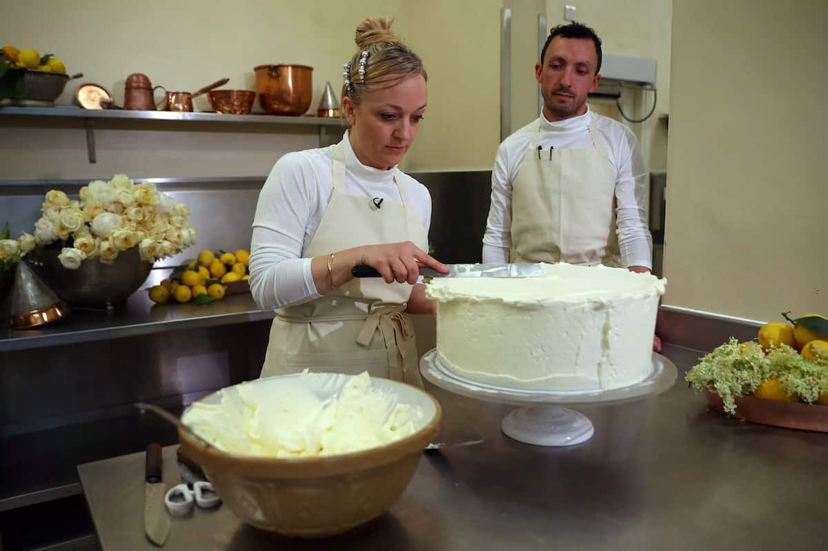 Wedding cake preparation