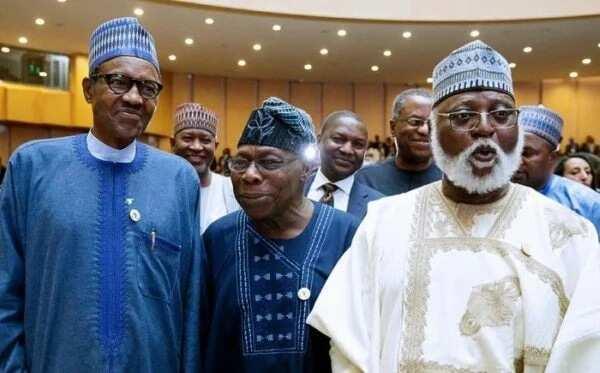 Cikin Bidiyo: Tsohon Shugaba Abdulsalami ya gana da shugaba Buhari a Villa