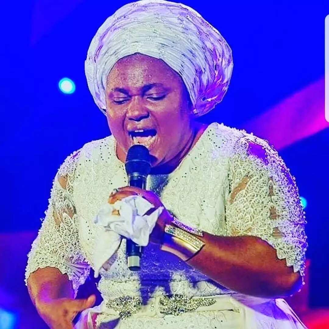Top 7 Igbo worship songs and their lyrics ▷ Legit ng