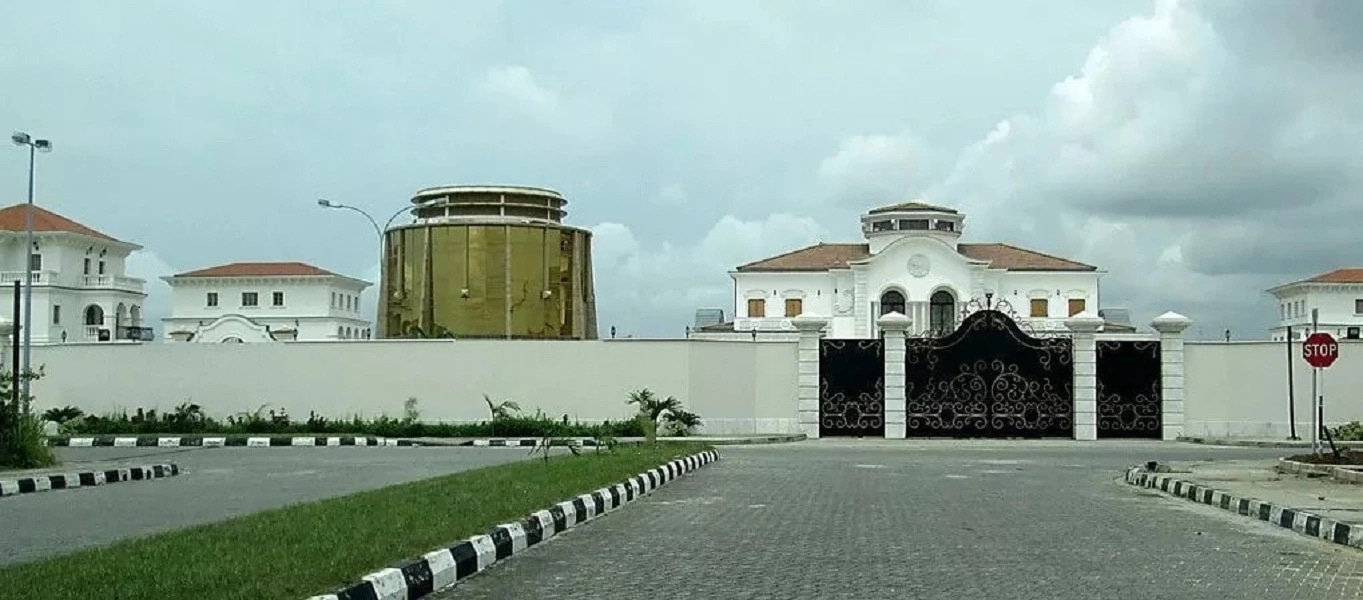 Mike Adenuga's House is one of the most luxurious houses in Nigeria