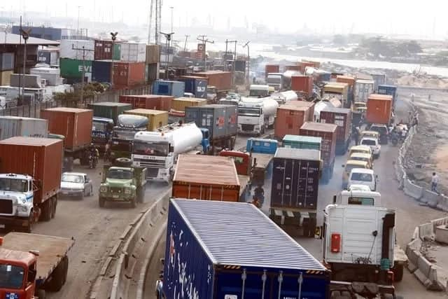 It saddens me that businesses have to suffer - Buhari speaks on Apapa gridlock - Legit.ng