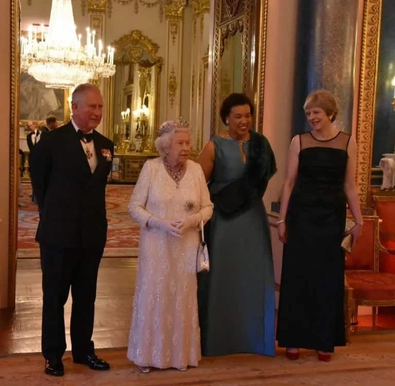 President Buhari, Aisha hosted to a dinner by Queen Elizabeth II in London (photos)