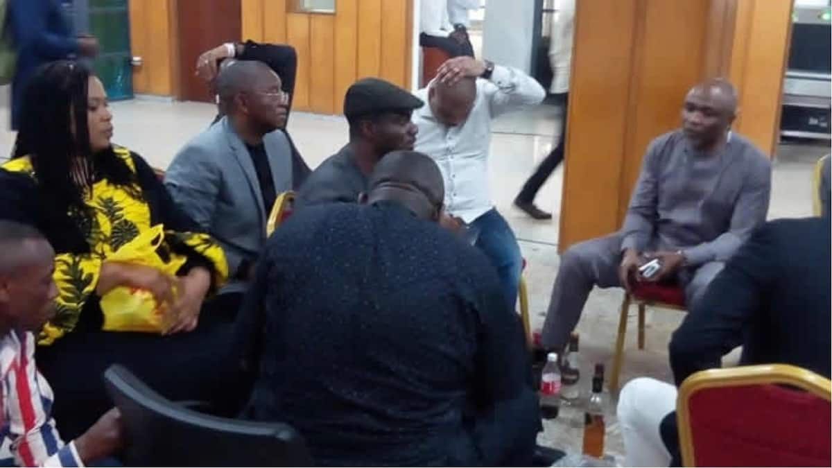 PDP lawmakers 'chill out' with liquor amidst NASS siege by DSS (photos)