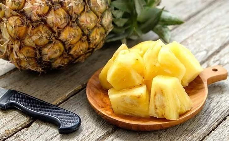 A serving of pineapple