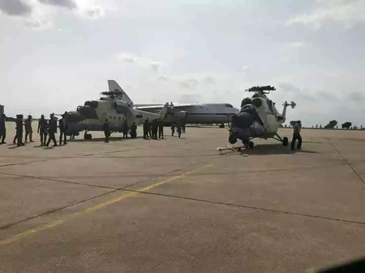 As Buhari meets Trump, Nigeria takes delivery of 2 new helicopter gunships to fight Boko Haram