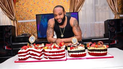 Kcee shows of the unique cakes he received on his 38th birthday