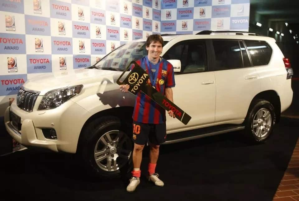 Toyota Prius Lionel Messi house and cars
